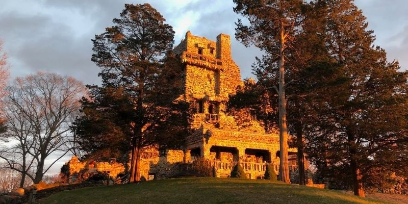 Sherlock Holmes, William Gillette and the Castle across Long Island Sound